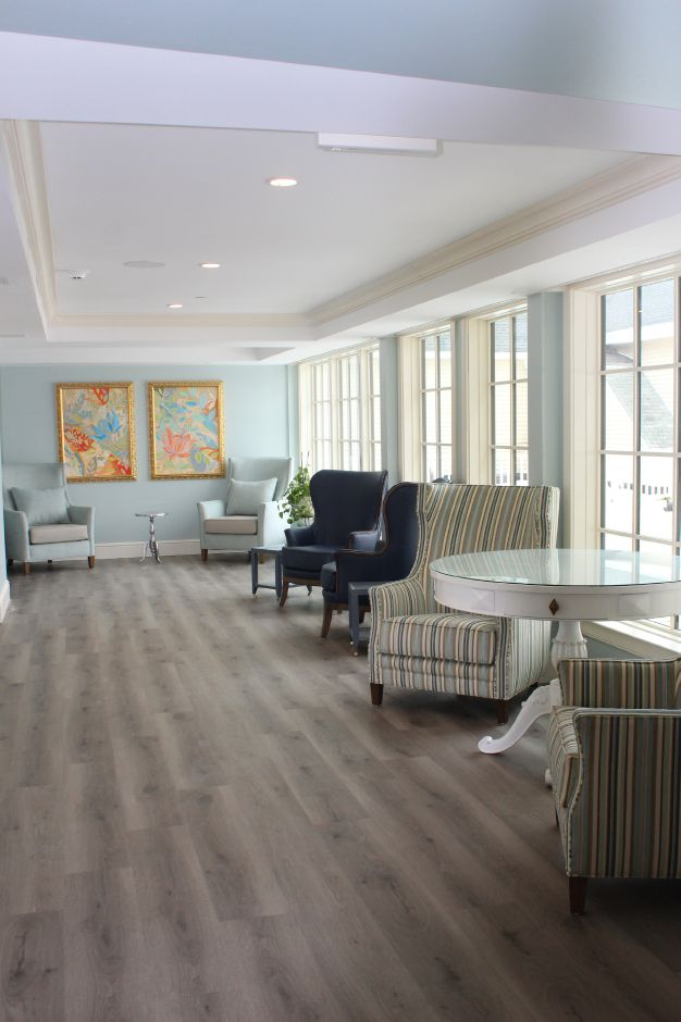 Mariah Melendez/Cheshire Herald – Upstairs foyer at Marbridge Retirement Center.
